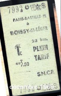 Un des derniers billets Edmonson 1re classe de Paris-Bastille à Boissy- Saint-Léger, émis quelques minutes avant le départ du dernier train le 13 décembre 1969.